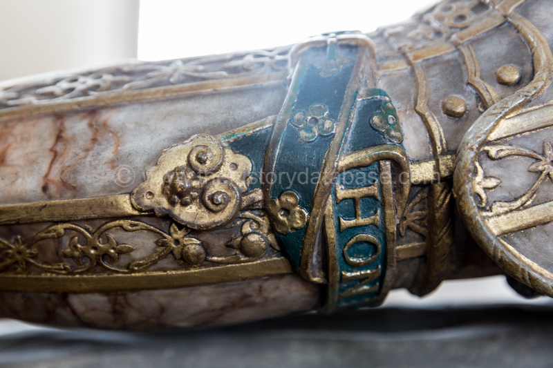 Detail of William Cecil's Garter below the left knee